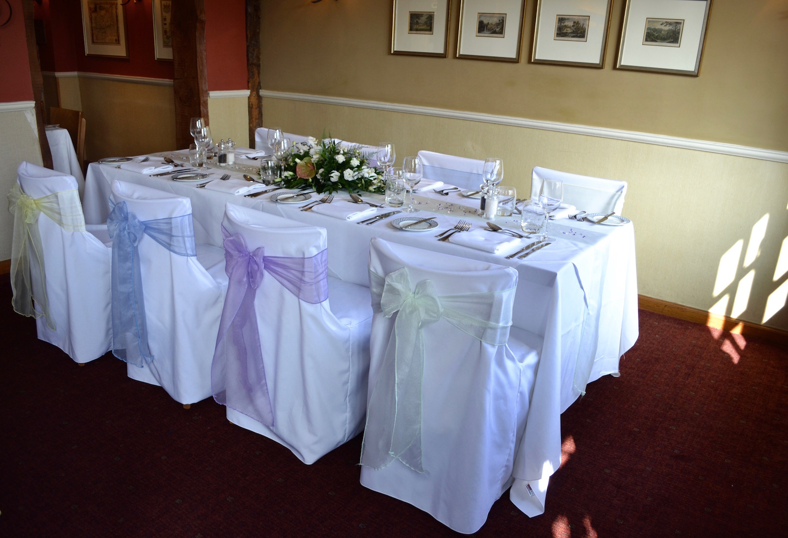 The Bell Inn New Forest wedding venue table arrangement